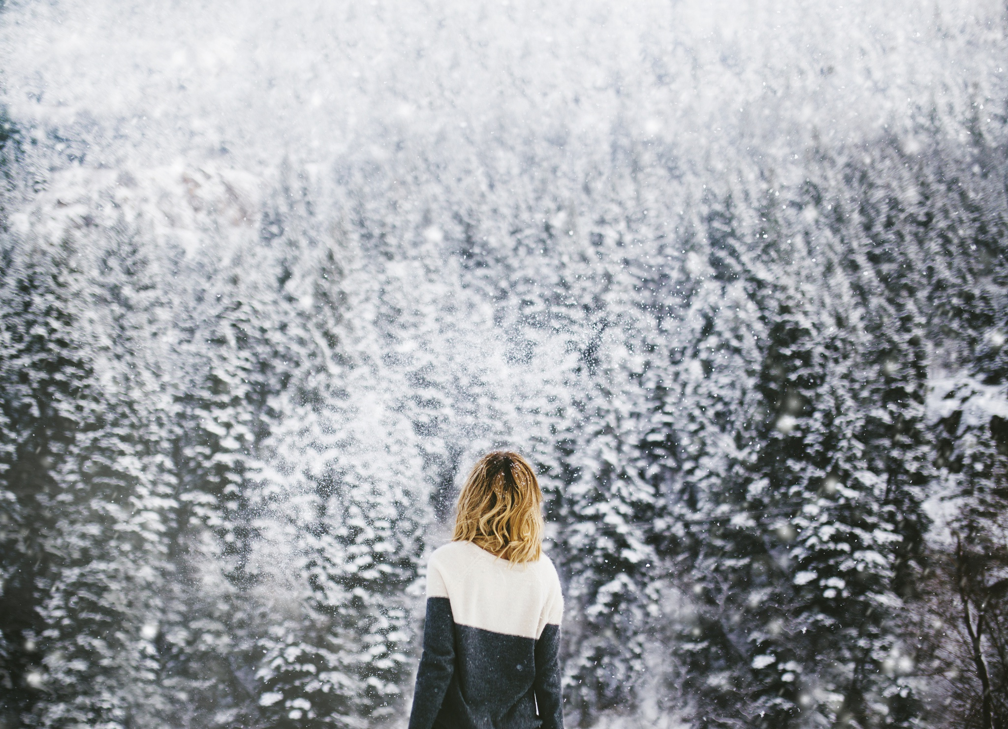 Фото девушек на фоне зимы не видно лица — img 10