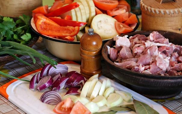 Фото обои зелень, лук, мясо, перец, овощи, помидоры, кабачки
