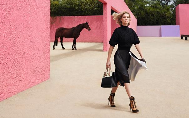 Фото обои модель, лошадь, реклама, актриса, блондинка, фотограф, Louis Vuitton