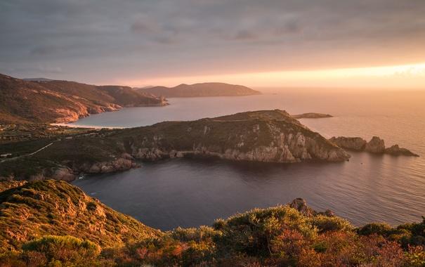 Фото обои море, скалы, рассвет, побережье, Франция, горизонт, Corsica