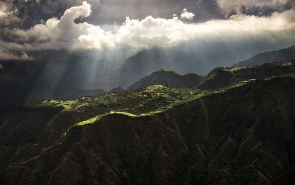 Фото обои облака, лучи, горы, природа, Франция, остров Реюньон