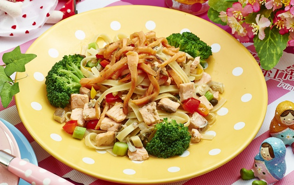 Фото обои мясо, овощи, брокколи, лапша