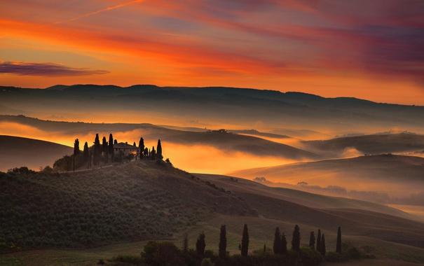 Фото обои облака, деревья, дом, холмы, поля, Италия, зарево