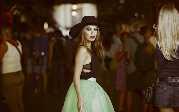 Фото обои девушка, юбка, шляпа