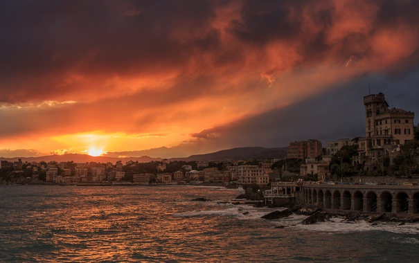 Фото обои море, небо, побережье, дома, Италия, зарево, Liguria