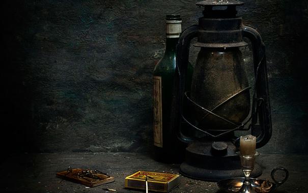 Фото обои бутылка, лампа, свеча, спички, мышеловка, Still life