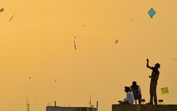 Фото обои Индия, воздушный змей, макара-санкранти, Вадодара, праздник урожая