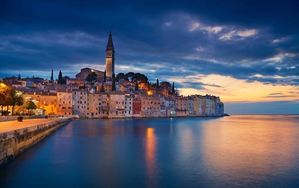 Фото обои море, башня, дома, Хорватия, колокольня, Ровинь