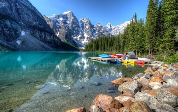 Фото обои лес, деревья, горы, озеро, камни, скалы, берег