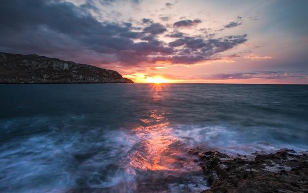 Фото обои море, небо, солнце, облака, рассвет, берег, горизонт