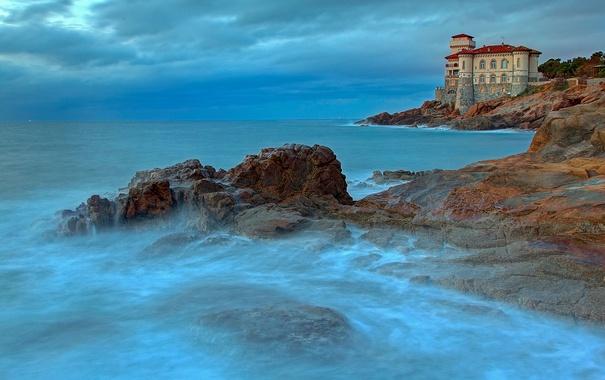 Фото обои море, тучи, камни, замок, скалы, Италия, Ливорно