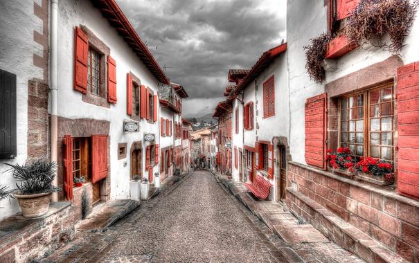 Фото обои улица, Франция, окна, дома, ставни, Атлантические Пиренеи, Сен-Жан-Пье-де-Пор