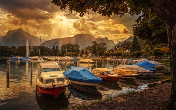 Фото обои облака, лучи, горы, озеро, лодка, Швейцария