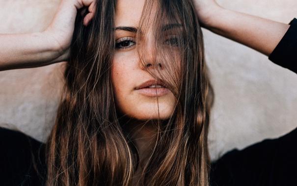 Фото обои взгляд, девушка, волосы, портрет