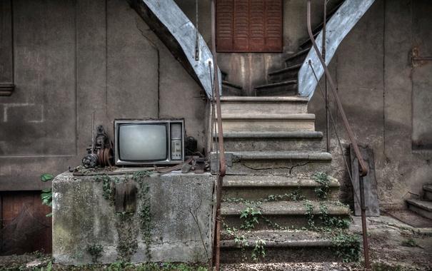 Фото обои фон, телевизор, лестница
