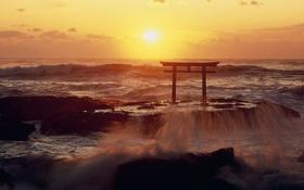 Обои море, закат, брызги, шторм, Япония, Ибараки, Оараи