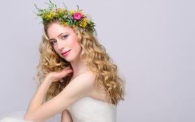 Картинка девушка, блондинка, венок, длинные волосы