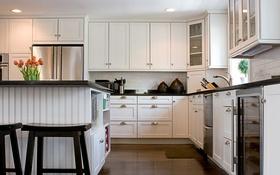 Обои столовая, шкафчик, кухня, раковина, стол