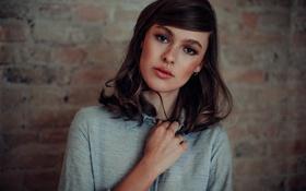 Картинка девушка, лицо, фон, волосы, рука