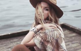 Картинка девушка, ветер, волосы, часы, шляпа