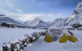 Обои холод, снег, горы, вершины, палатка, Wolfgang Lutz