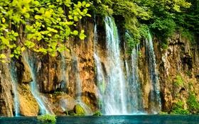 Обои ветки, скала, озеро, водопад, кусты
