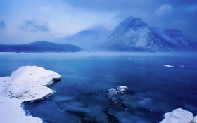 Обои снег, горы, Канада, Альберта, озеро Минневанка