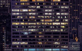 Обои офисы, мегаполис, небоскреб, окна, ночь, свет
