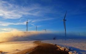 Обои зима, дорога, свет, утро, ветряки