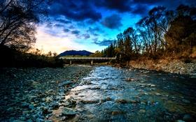 Обои деревья, мост, камни, гора, вечер, Новая Зеландия, речка