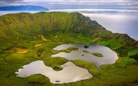 Обои озеро, кратер, Португалия, Атлантический океан, остров Корво-Айленд