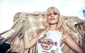 Картинка фото, модель, майка, блондинка, певица, платок, Pixie Lott