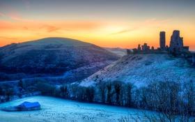 Обои зима, снег, деревья, дом, холмы, Англия, зарево