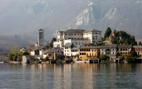 Обои горы, остров, дома, Италия, коммуна, озеро Орта, Орта-Сан-Джулио