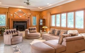 Обои диван, окна, подушки, камин, гостиная