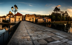 Обои закат, мост, река, дома, вечер, фонари, Португалия