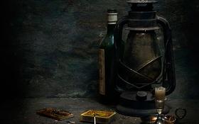 Обои бутылка, свеча, мышеловка, спички, Still life, лампа