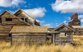 Картинка небо, трава, облака, Канада, Саскачеван, заброшенные дома