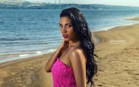 Картинка песок, девушка, пейзаж, река, берег, макияж, платье