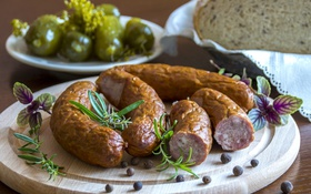 Обои хлеб, колбаса, огурцы, специи