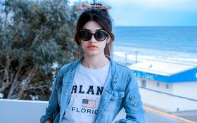 Картинка девушка, портрет, очки, хвост
