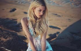 Картинка песок, пляж, девушка, блондинка