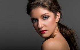 Картинка глаза, девушка, лицо, фон, красное, волосы, макияж