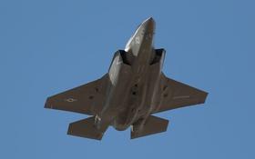 Обои F-35B, Lockheed Martin, бомбардировщик, полёт, истребитель