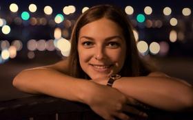 Картинка девушка, лицо, улыбка, блики, милая, часы, портрет