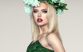 Обои девушка, цветы, фон, макияж, платье, прическа, блондинка