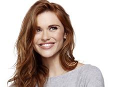 Обои Holland Roden, актриса, улыбка, взгляд