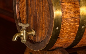 Обои beer barrel, wood, metal