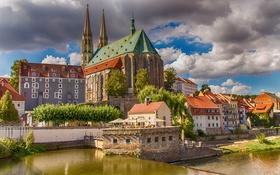 Обои облака, река, дома, Германия, Саксония, Гёрлиц, Церковь Святых Петра и Павла