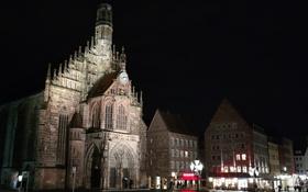 Обои ночь, огни, Германия, Бавария, площадь, Нюрнберг, Церковь Девы Марии